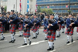 Strathclyde Fire Brigade Pipe Band - Remembrance Sunday Glasgow 2011