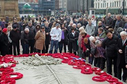 Viewing the Wreaths - Remembrance Sunday Glasgow 2011