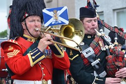 Royal Regiment of Scotland Band and 1 Scots Pipes and Drums - Parade Prestonpans