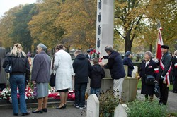 Wreaths and Memorial Cross at Newark All Souls Ceremony