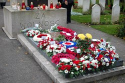 Wreaths at All Souls Ceremony - Polish Airmen, Newark