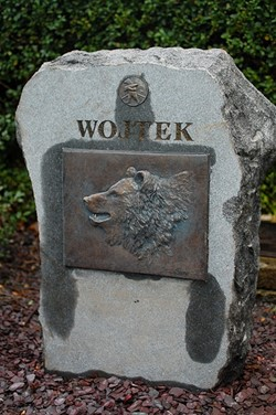Wojtek the Bear Granite Memorial, Redbraes Place, Edinburgh