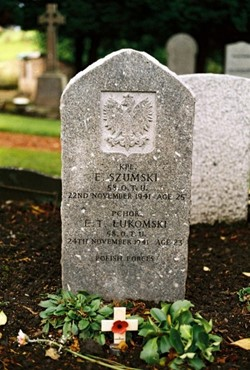 Polish Grave - E Szumski and E T Lukomski - Grandsable Cemetery, Grangemouth